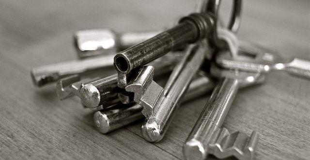 Sådan kan du sikre dit hus mod indbrud med gode låse